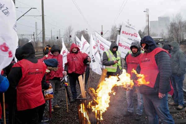 Польща оголосила про припинення імпорту вугілля з Росії