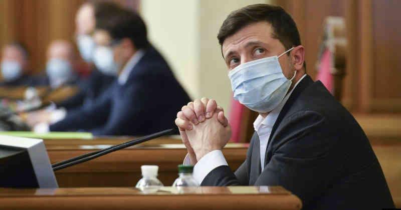 «Вже досить»: експерти у США вимагають тиску Заходу на Київ через відступ від реформ