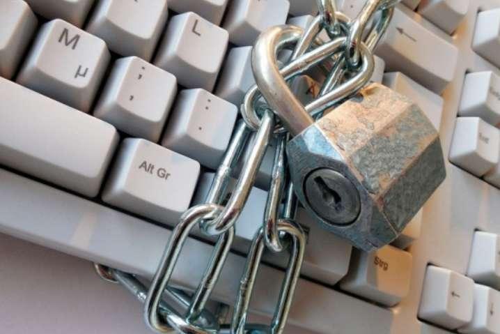 ЗМІ: у Білорусі блокують інтернет