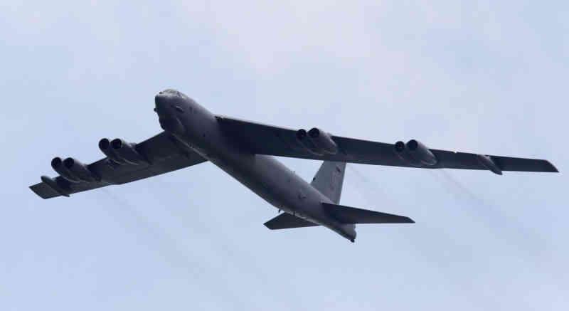 Американські B-52 відпрацьовують ядерний удар по Росії, але навіщо?