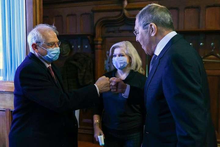EUObserver: Принизливий візит Борреля в Росію допоміг Кремлю ще більше розколоти ЄС