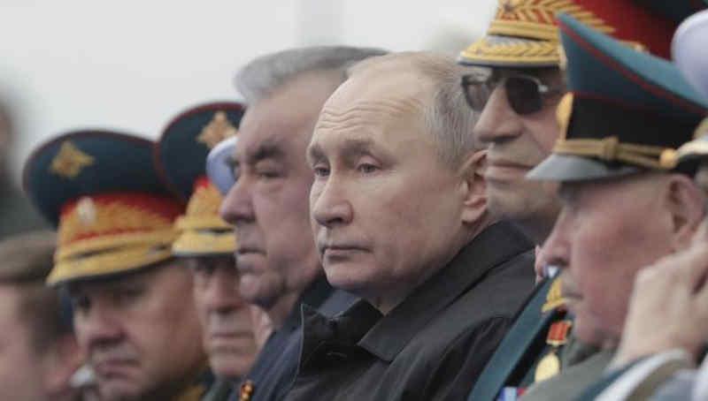Чому Путін на параді 9 травня виглядав старшим за ветеранів?
