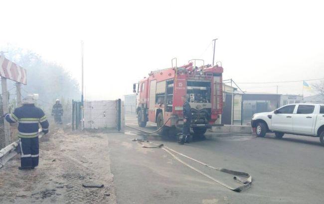 У Станиці Луганській горить ціла вулиця, відбуваються вибухи