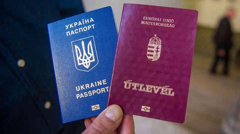 Говорим о Будапеште, Москва в уме. Зачем Кулеба вновь поднял тему двойного гражданства