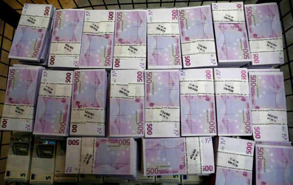 Bloomberg: Коронавірус зламав схеми відмивання грошей в ЄС