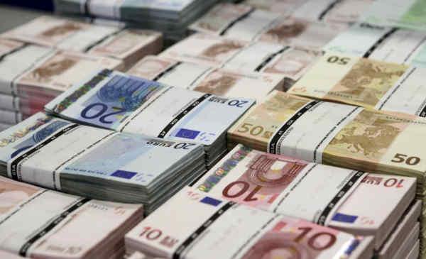 В банки України почалися поставки готівкової валюти - НБУ