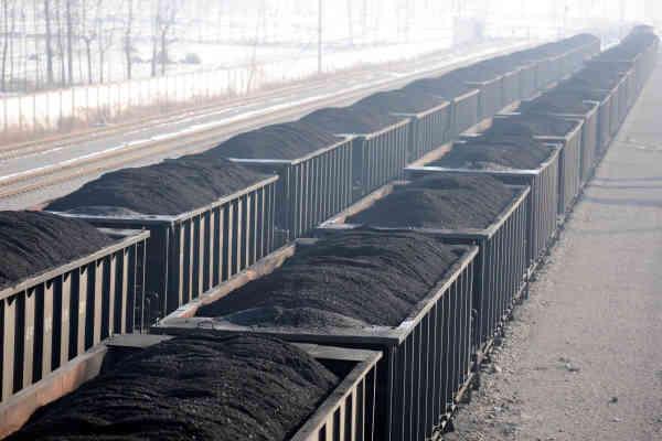 Washington Post: Росія торгує краденим вугіллям з України, щоб фінансувати війну