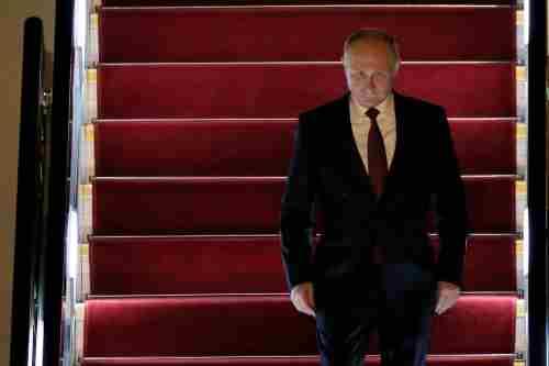 Politico: Путін в часи служби в КДБ постачав зброю терористам-комуністам в Дрездені