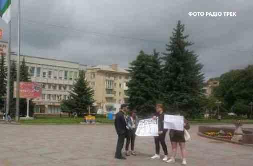 Ми готові надати адвокатів затриманій у Рівному активістці, яка вимагала імпічмент Зеленському – Геращенко