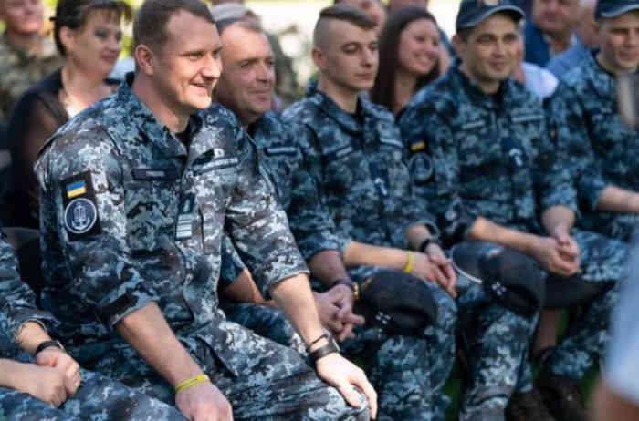 Усім звільнениим з російського полону морякам купили квартири