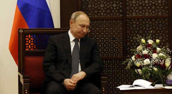 Bloomberg: Путін не такий стійкий до обвалу цін на нафту, як йому здається