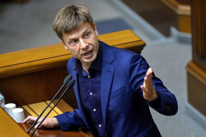 Нардеп Гончаренко звинуватив МЗС в обмані 11 посольств