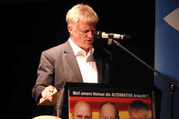 Der Spiegel: Депутат з Німеччини отримав гроші від Росії за брехню про