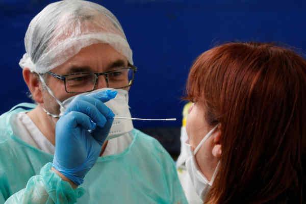 National Geographic: Що буде, якщо заразитися коронавірусом і грипом одночасно?