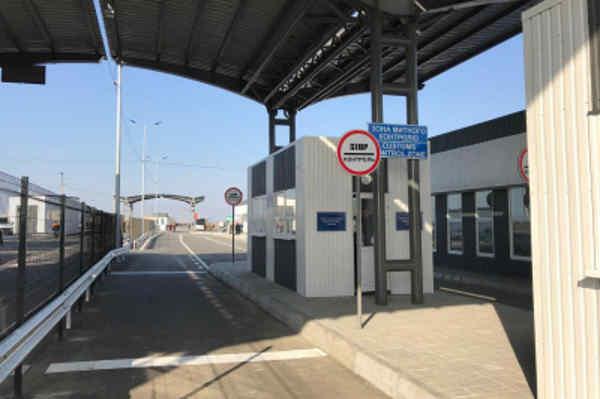 Коронавірус в ОРДЛО – як працюють пункти пропуску на Донбасі