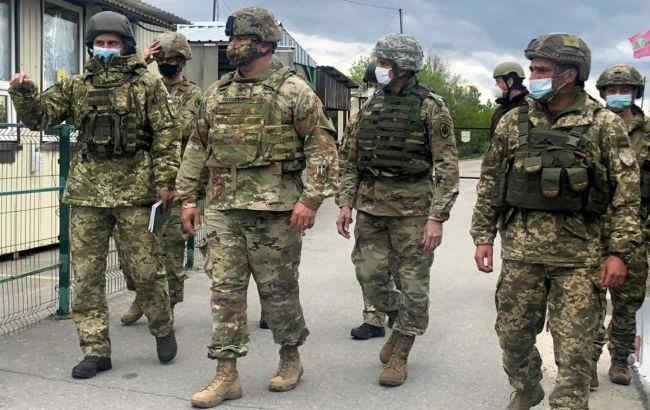 Військові дипломати США провели три дні в зоні ООС
