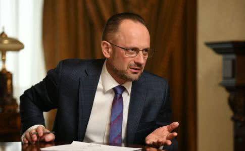 Санкції РНБО насправді не шкодять Медведчуку, адже немає звинувачень, обшуків, виїмок документів й арештів, - Безсмертний