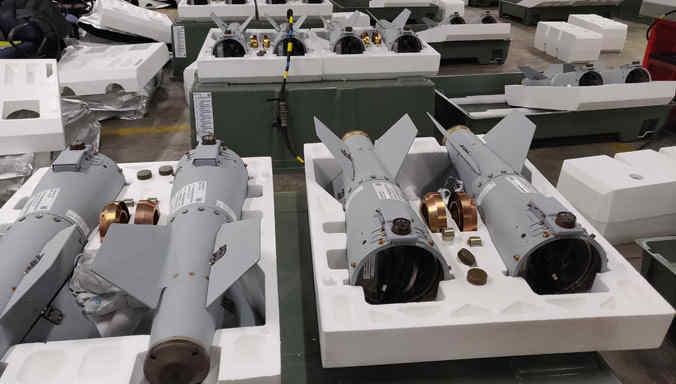 НАТО отримало першу партію керованих боєприпасів зі США