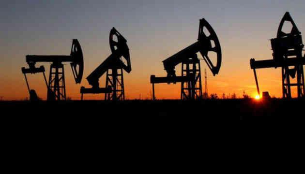 Штати можуть ввести ще більше санкцій проти РФ для стабілізації цін на нафту — WSJ