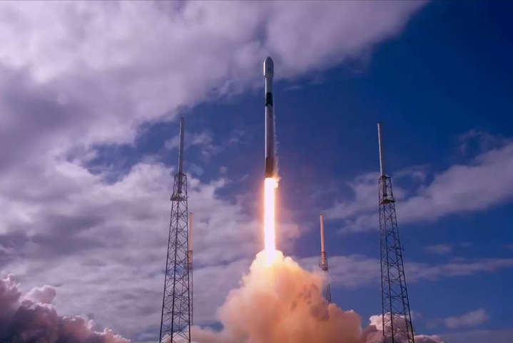 Ракета Falcon 9 стартувала на орбіту з інтернет-супутниками Starlink