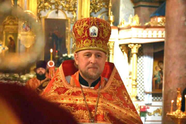 Московський чорт РПЦвУ влаштував коронаВеликдень в Чернігові. Суд не побачив порушень