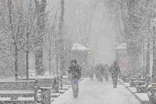 Погода на 21 січня: центр та південь України засипле снігом