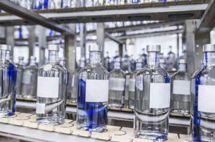 В Україні з'явилися перші приватні виробники спирту