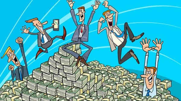 Зарплати держслужбовців зростуть на 30%