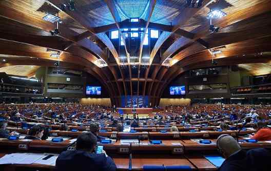 У ПАРЄ дозволили працювати делегатам РФ, що голосували за анексію Криму