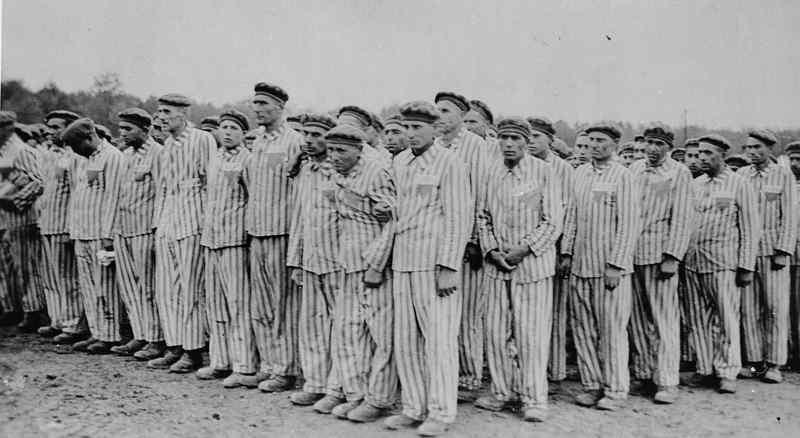 Как неонацисты использовали финансы Европарламента для пропаганды отрицания Холокоста