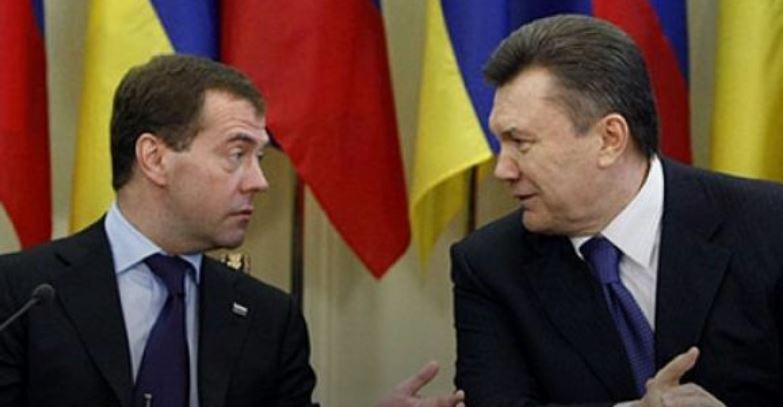 Харківські угоди: як 10 років тому Янукович здав Крим Росії