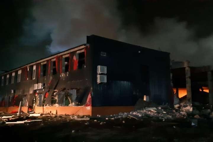 Потужний вибух у Дніпрі зруйнував величезний склад