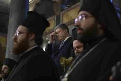 Петро Порошенко: Наша церква є канонічною, тепер нехай РПЦ покаже свій томос