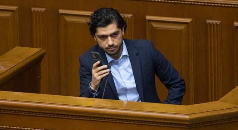 Зеленський повністю покриває корупцію в Україні - Лерос