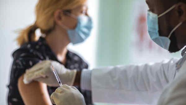 У Бельгії після COVID-щеплень побічні ефекти - лише у 10 людей із 35 тисяч