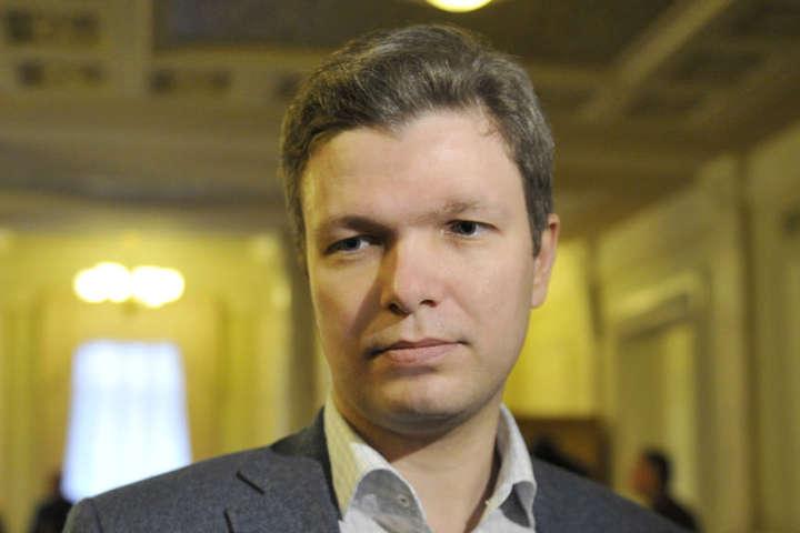 Відомий політик закликав патріотичні сили до об'єднання під дахом партії Порошенка