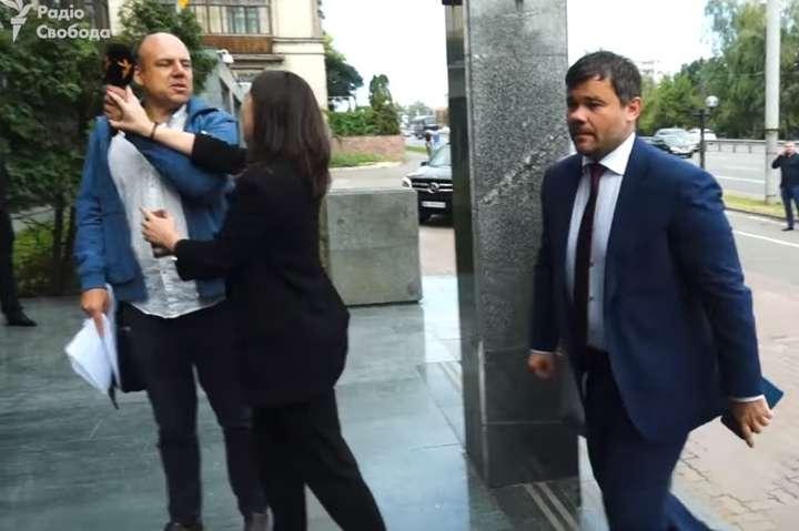Журналісти вимагають звільнення Мендель з посади прес-секретаря президента України
