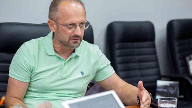 Через Коломойського США показують Україні джерело коштів, - Безсмертний