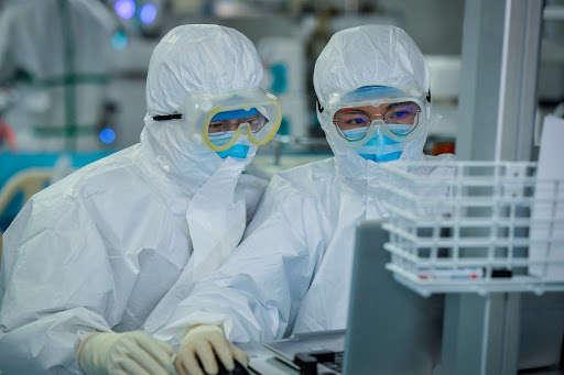 Вчені знайшли нові ефективні препарати проти коронавірусу