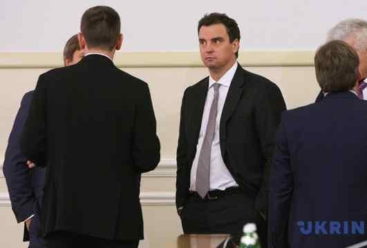 Суд закрив скандальну справу про втручання в роботу Абромавичуса