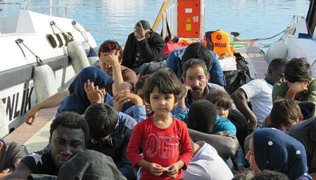 У Туреччині заявили, що понад 100 тисяч біженців перетнули кордон з ЄС
