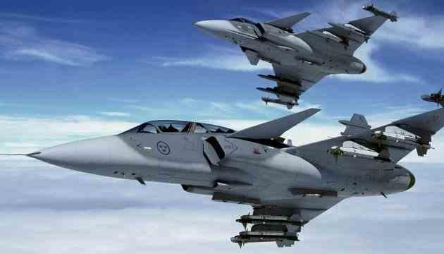 Винищувачі НАТО перехопили військові літаки РФ над Естонією