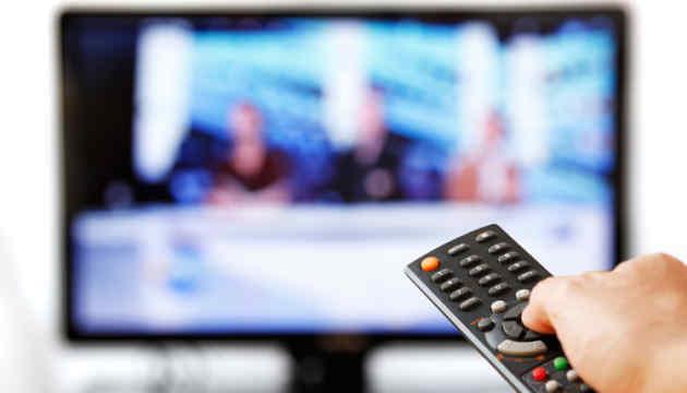 Українські телеканали в січні майже не згадували анексований Крим