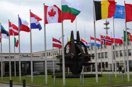 У НАТО заявили про переслідування американського супутника російським