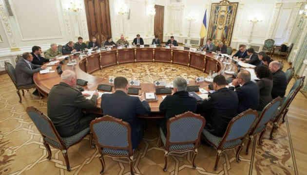Данілов заявив, що дати наказ про вогонь у відповідь у зоні ООС має право кожен командир