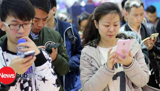 Китайців зобов'язали сканувати обличчя для реєстрації мобільних