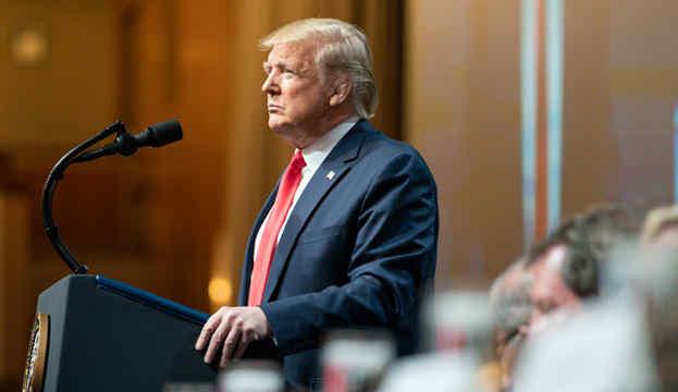 Трамп зобов'язав General Motors виробляти апарати ШВЛ за умовами воєнного стану