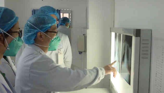 Вірус у Китаї виявився заразним і під час інкубаційного періоду
