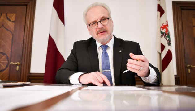 Президент Латвії пропонує обмежити телемовлення російською