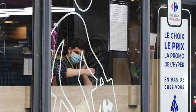 У Франції за добу померли майже 600 хворих з коронавірусом